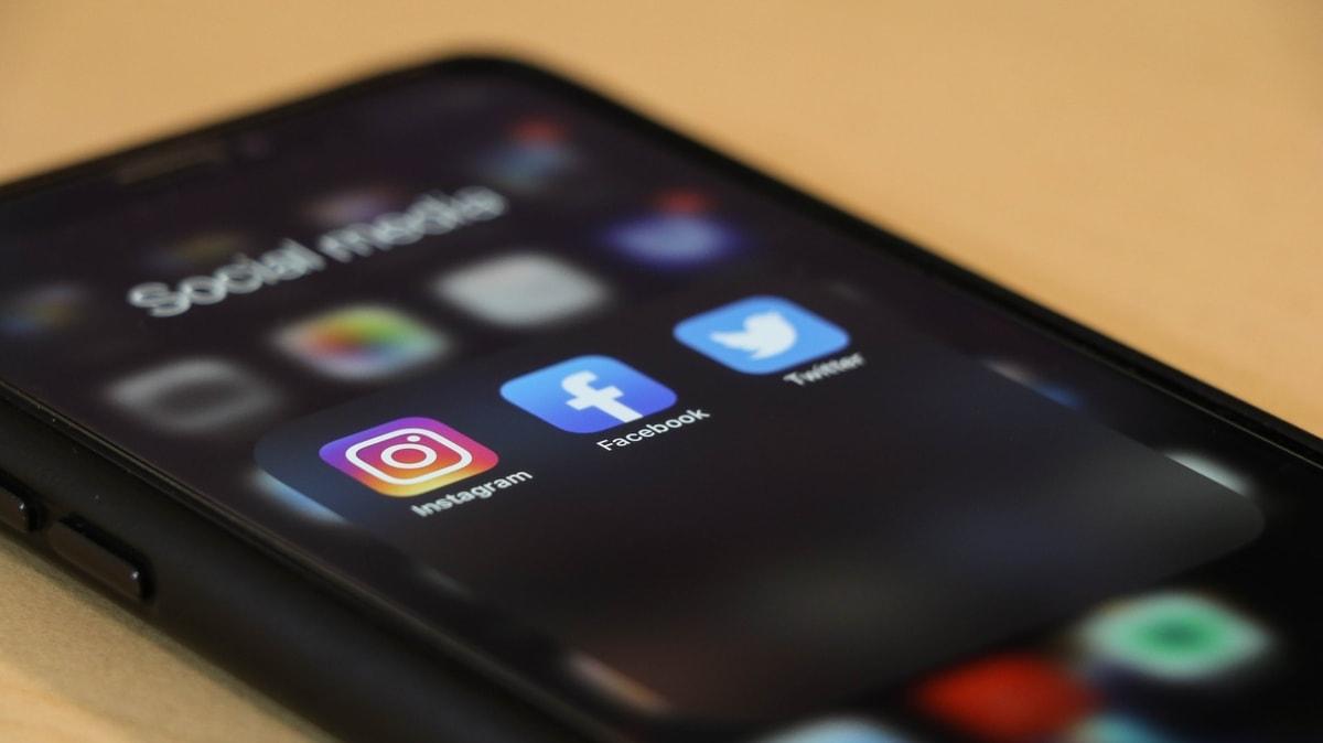 business grow social media